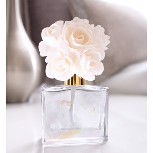 Pure Romance Other - 🌺💐Pure Romance Bombay In Bloom Diffuser NIB🌺💐